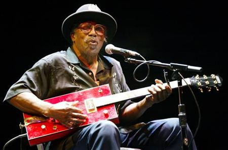 Legendary blues guitarist Bo Diddley performs at 35th annual Bumbershoot Seattle Arts Festival in Seattle.